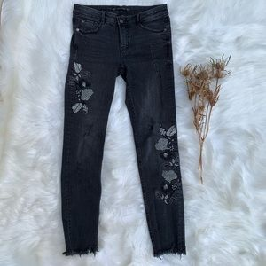 Zara Hi Rise Floral Embroidery Crop Jeans